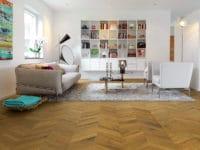 Pergo-Wood-Sandhamn-Smoked-Manor-Oak-Chevron-04374-