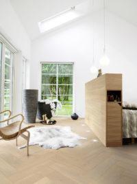 Pergo-Saltholm-Light-Herringbone-Oak-04856_Interior02