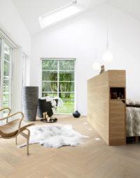 Pergo-Saltholm-Light-Herringbone-Oak-Featured